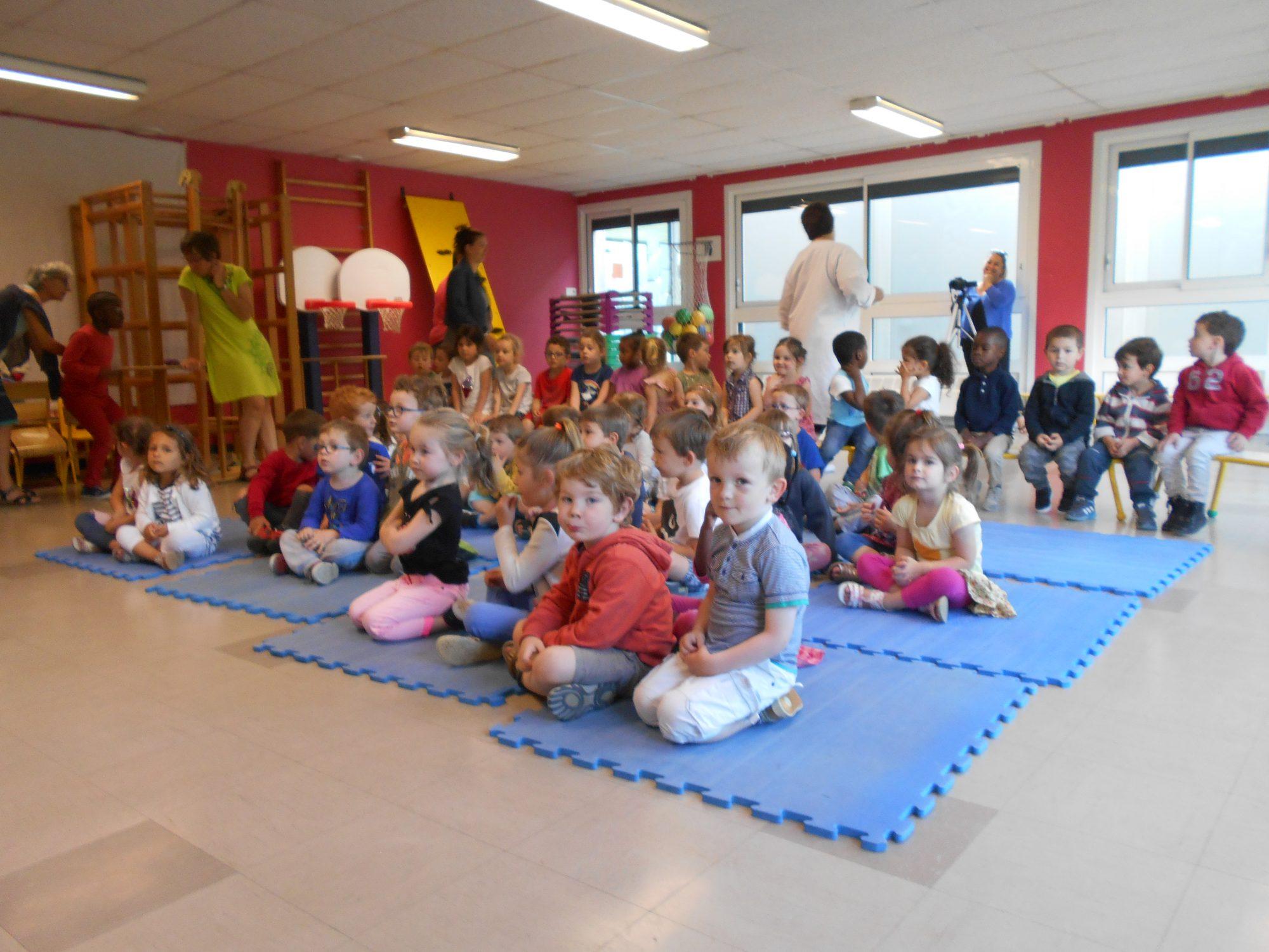 Jean Pi Magicien : Schow, Close-up, Spectacle Enfants, Ecoles, Stage de magie. Bretagne, Normandie, Pays de la Loire